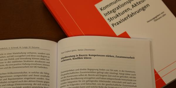 Thumbnail for Beitrag im Sammelband Kommunale Integrationspolitik Strukturen, Akteure, Praxiserfahrungen